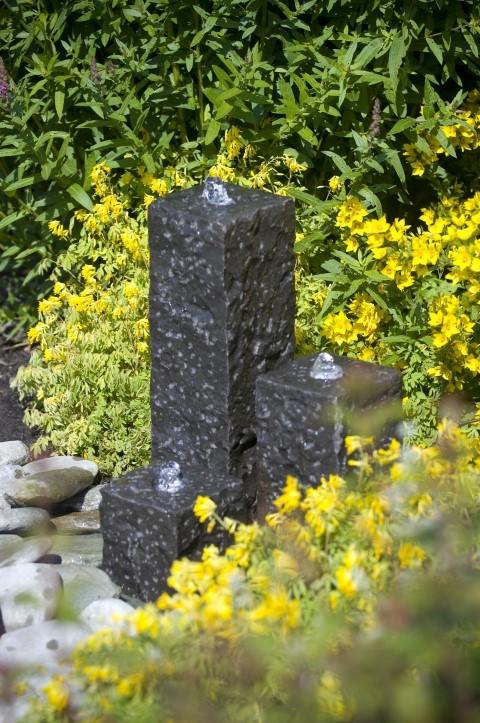 Waterornamenten van taranto is een drie delig ornament met granieten zuilen.dit waterornament wordt compleet ...