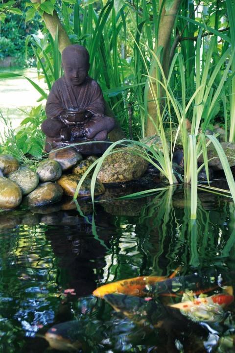 Waterornamenten van semarang is een oosters boeddhabeeld als waterornament.dit waterornament wordt compleet ...