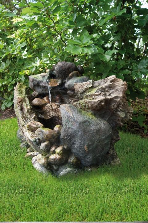 Waterornament siderno heeft een natuurlijke uitstraling. de mini waterval is verwerkt tussen de rotsen.deze ...