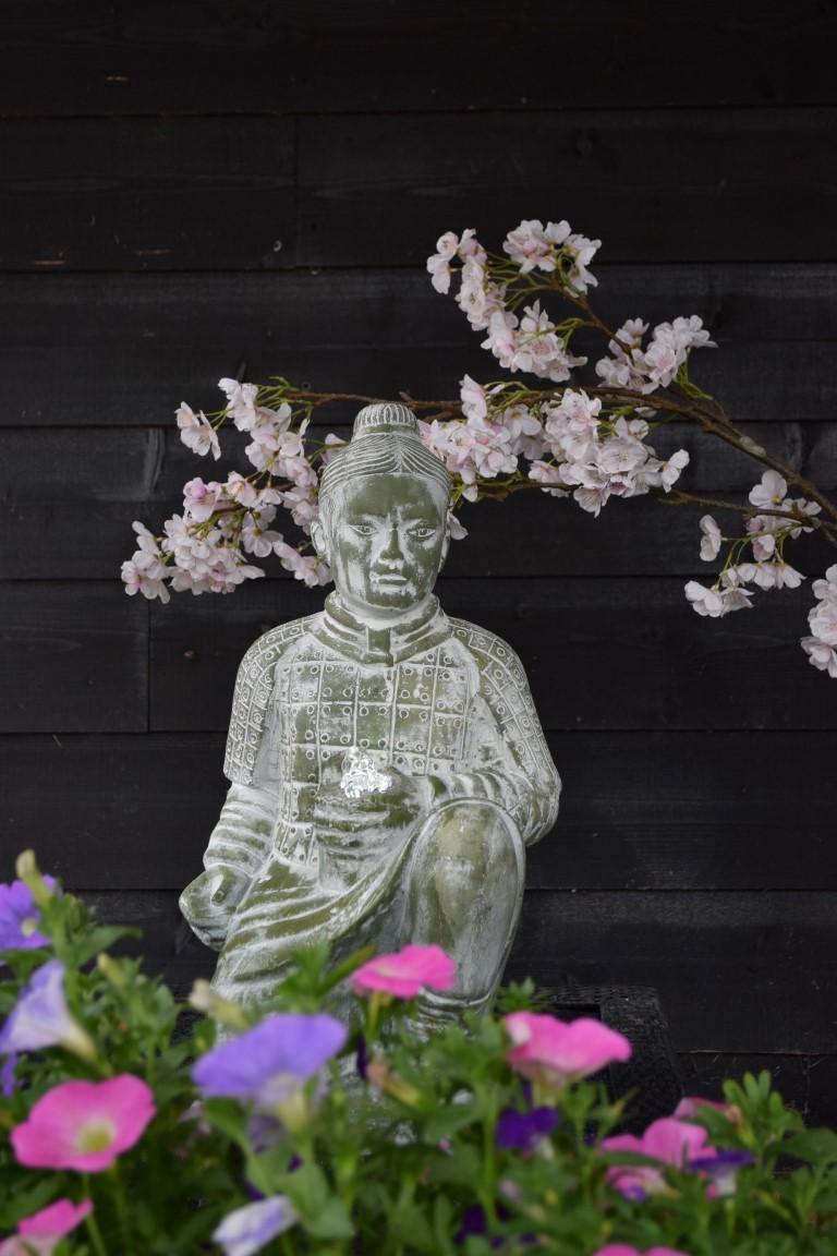 Waterornament shanghai is een decoratief figuur in de vorm van een aziatische krijger.de waterornamenten zijn ...
